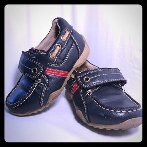 Children's Place Toddler Size 7 dress shoes